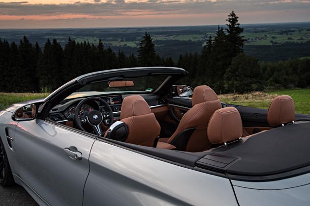 BMWM4CABRIOINTERIEUR