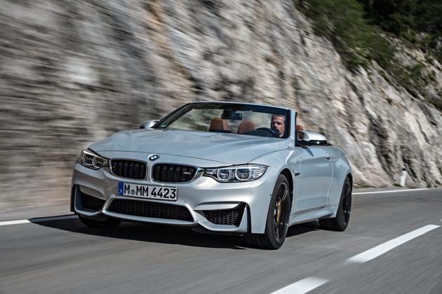 BMWM4CABRIORIJDEND4