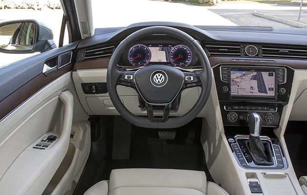 test wegtest vw passat variant 2 0 tdi biturbo 4motion 2014 autowereld. Black Bedroom Furniture Sets. Home Design Ideas