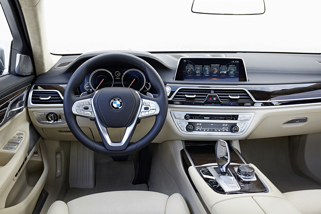 test bmw 730d 2015 autowereld. Black Bedroom Furniture Sets. Home Design Ideas