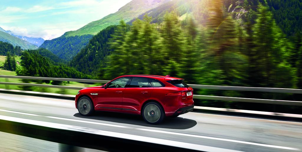 Macan opgepast hier is de jaguar f pace autowereld for Interieur jaguar e pace