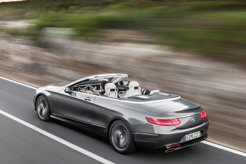 mercedes s klasse cabrio geeft zich helemaal bloot autowereld. Black Bedroom Furniture Sets. Home Design Ideas