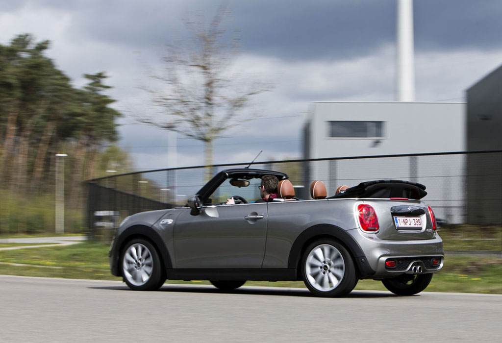 test mini cabrio cooper s a 2016 autogids. Black Bedroom Furniture Sets. Home Design Ideas