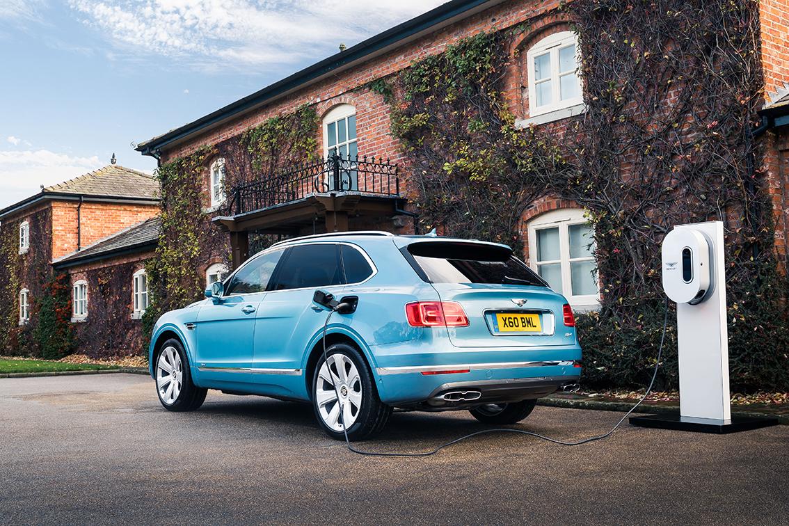 Test Bentley Bentayga Hybrid - AutoWereld 2020