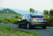 Honda Civic 5p - 1.8 Sport (2005)