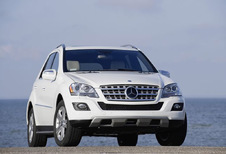 Mercedes-Benz Classe M - ML 300 CDI BlueEFFICIENCY (2005)