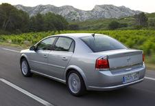 Opel Vectra 4p - 1.9 CDTI 120 Comfort (2005)