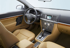 Opel Vectra 4p - 1.9 CDTI 100 Cosmo (2005)