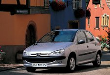 Peugeot 206 5p - 1.4 75 Enfant Terrible (1998)