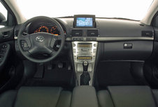 Toyota Avensis - 2.0 D-4D Linea Terra (2003)