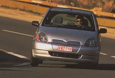Toyota Yaris 5p - 1.3 VVT-i Linea Sol (2003)