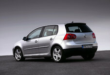 Volkswagen Golf V 5d - 2.0 TDi 103kW Sportline                            (2003)