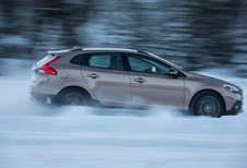 Volvo V40 Cross Country - D3 Momentum (2013)