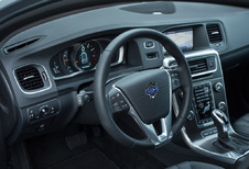 Volvo V60 - Plug-In Hybrid D6 AWD Summum R-Design (2015)