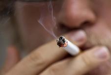 Tegen 2020 vervuilen rokers meer dan auto's