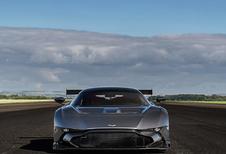 Aston Martin Vulcan brult nu ook op de openbare weg