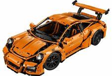 Lego Technic Porsche 911 GT3 RS : pistons mouvants