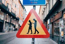 Smartphone-zombies: in gevaar op onze wegen