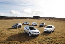 Renault Koleos 2.0 dCi, Nissan Qashqai 1.6 dCi, Hyundai ix35 2.0CRDi, Volkswagen Tiguan 2.0 TDI 136, Ssanyong Korando E-XDI200 175 en Kia Sportage 2.0 CRDi : Illusionisten
