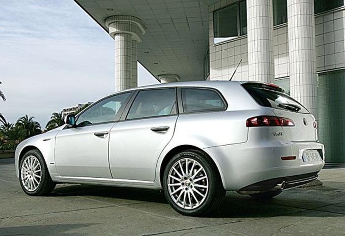 alfa romeo 159 sportwagon 1 9 jtdm 136 distinctive 2006 prix moniteur automobile. Black Bedroom Furniture Sets. Home Design Ideas