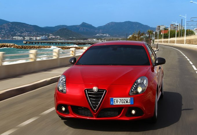 alfa romeo giulietta 2 0 jtdm 175 tct super 2016 prix moniteur automobile. Black Bedroom Furniture Sets. Home Design Ideas