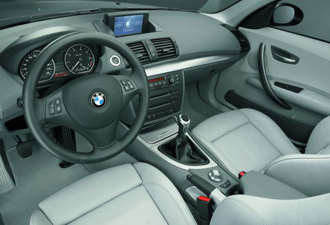 bmw s rie 1 coup 118d 143 2007 prix moniteur automobile. Black Bedroom Furniture Sets. Home Design Ideas