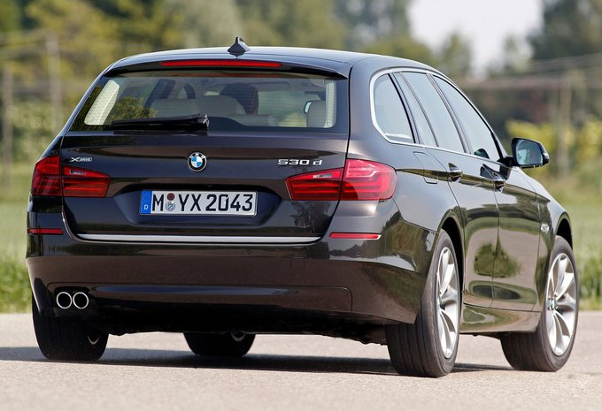 bmw s rie 5 touring 520d xdrive 120 kw 2017 prix. Black Bedroom Furniture Sets. Home Design Ideas