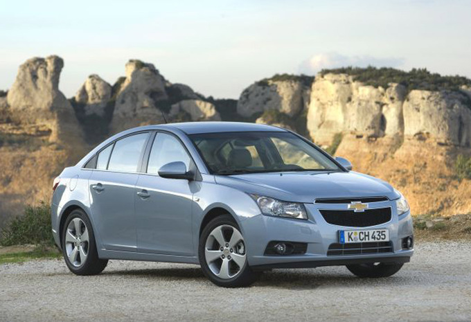 chevrolet cruze 4p 1 8 lt 2009 prix moniteur automobile. Black Bedroom Furniture Sets. Home Design Ideas