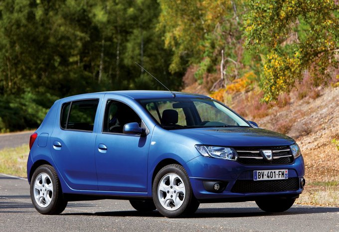 dacia sandero 0 9 tce 90 stepway plus 2015 prix moniteur automobile. Black Bedroom Furniture Sets. Home Design Ideas