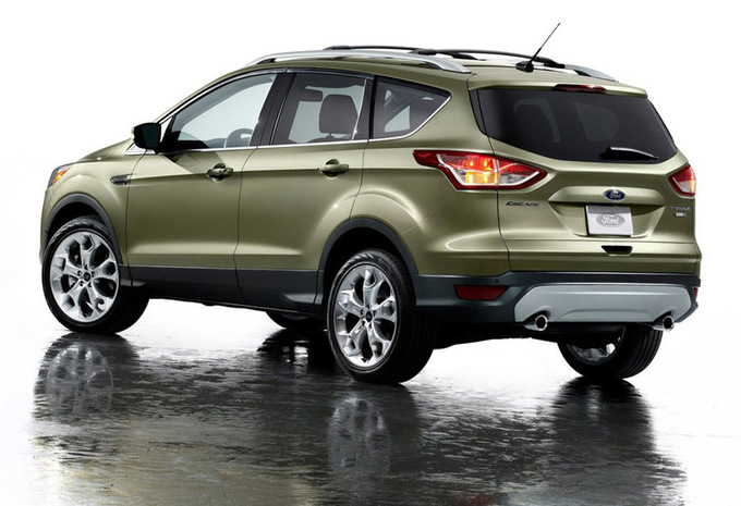 ford kuga 2 0 tdci 136 4x4 titanium 2013 prix moniteur. Black Bedroom Furniture Sets. Home Design Ideas
