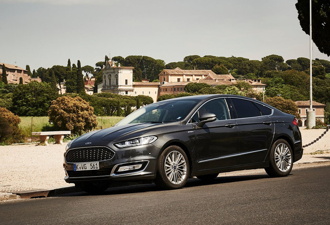 ford mondeo 4p 2 0tdci 153kw ps vignale 2016 prix moniteur automobile. Black Bedroom Furniture Sets. Home Design Ideas