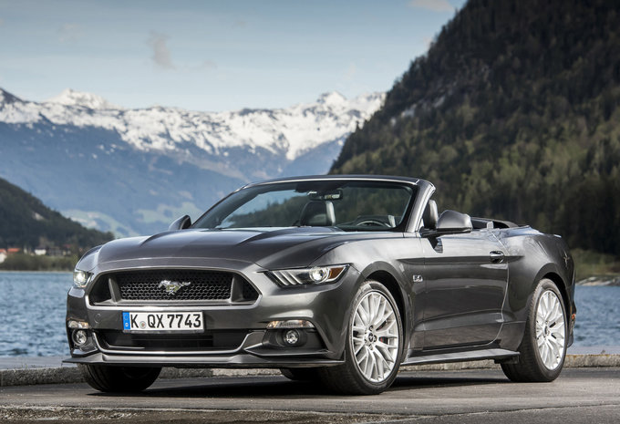 ford mustang cabrio ecoboost 2017 prix moniteur automobile. Black Bedroom Furniture Sets. Home Design Ideas