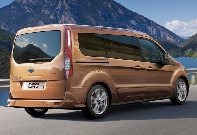 ford grand tourneo connect 1 5 tdci 75kw titanium 2017 prix moniteur automobile. Black Bedroom Furniture Sets. Home Design Ideas