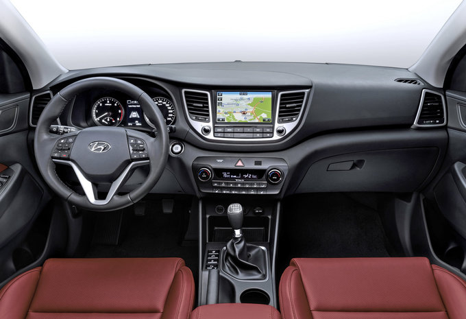 hyundai tucson 1 6 t gdi 4x4 dct executive 2015 prix moniteur automobile. Black Bedroom Furniture Sets. Home Design Ideas
