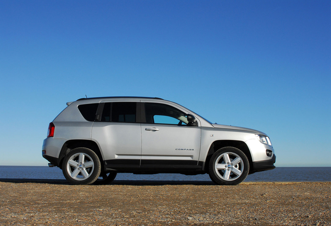sp cifications techniques jeep compass 2 2l crd 100 kw limited 2wd 2014 moniteur automobile. Black Bedroom Furniture Sets. Home Design Ideas