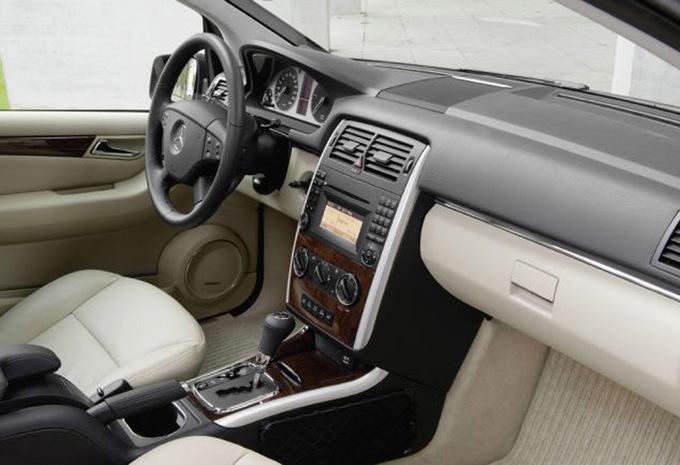 mercedes benz classe b b 180 cdi essential 2005 prix moniteur automobile. Black Bedroom Furniture Sets. Home Design Ideas