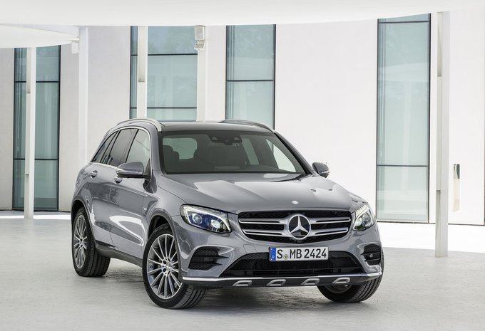 mercedes benz classe glc glc 220 d 125kw 4matic 2017. Black Bedroom Furniture Sets. Home Design Ideas