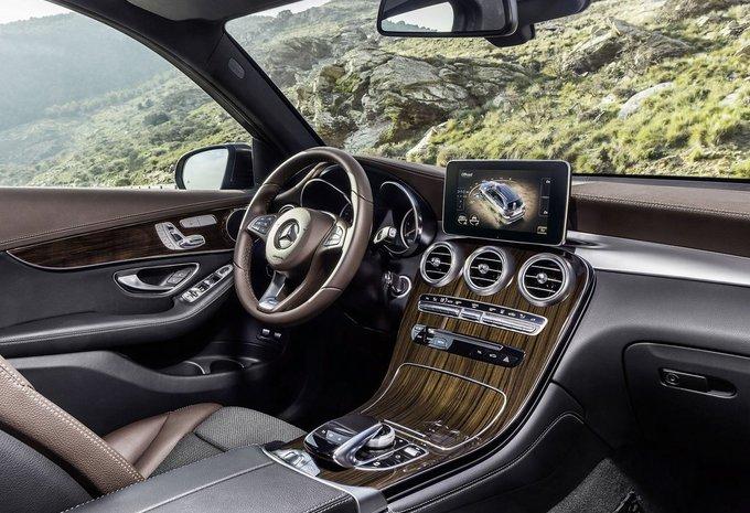 Mercedes Benz Glc Klasse Glc 220 D 120kw 4matic Amg Line