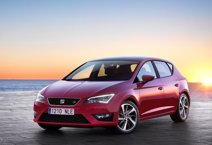 seat leon 1 2 tsi 81kw reference 2016 prix moniteur. Black Bedroom Furniture Sets. Home Design Ideas