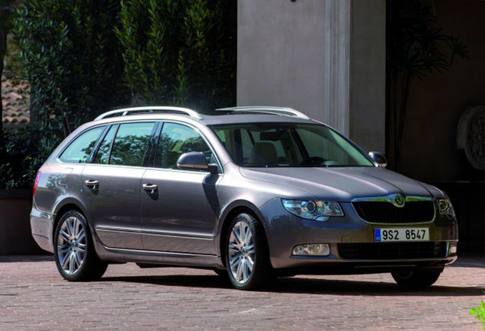 skoda superb combi 1 4 tsi ambition 2009 prix moniteur automobile. Black Bedroom Furniture Sets. Home Design Ideas