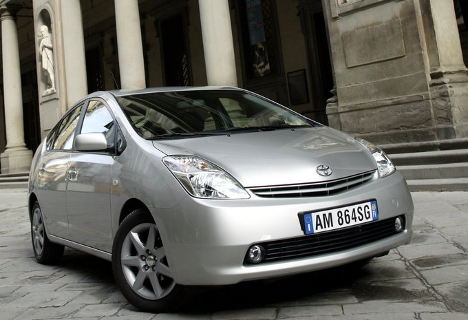 toyota prius 1 5 vvt i hybrid ths luna 2004 prix moniteur automobile. Black Bedroom Furniture Sets. Home Design Ideas