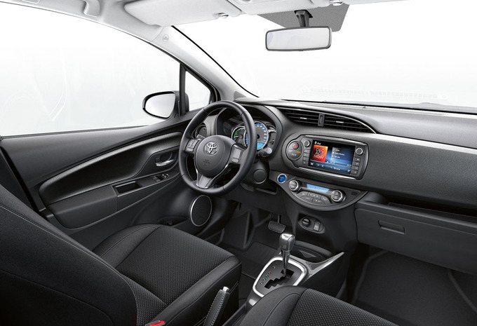 toyota yaris 5p dual vvt i lounge 2016 prix. Black Bedroom Furniture Sets. Home Design Ideas