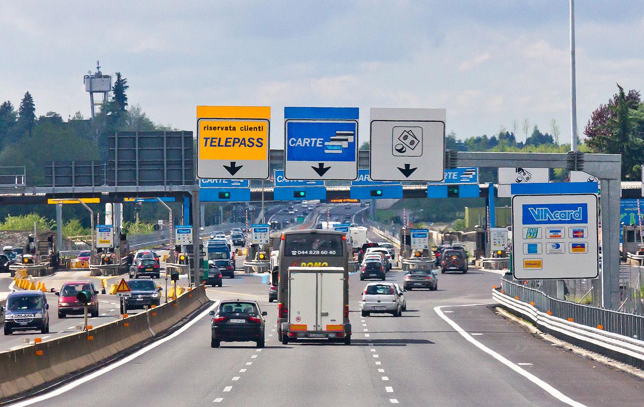 Péage sur l'autoroute A9 en Italie