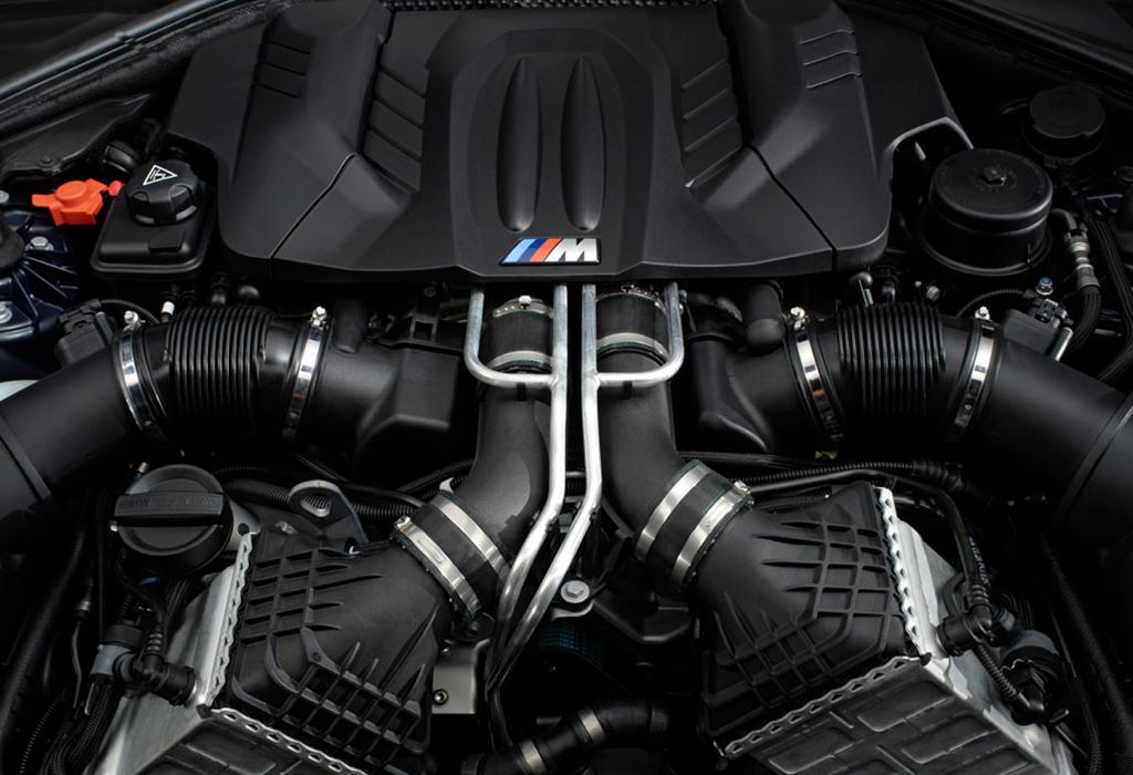 BMW 4.4 V8 Biturbo
