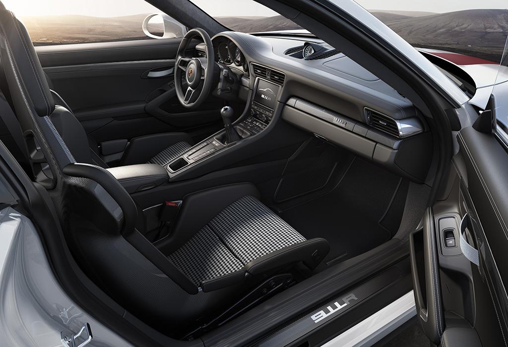 Porsche 911 R - Geneva 2016
