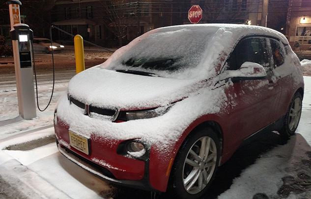 BMW i3 Snow