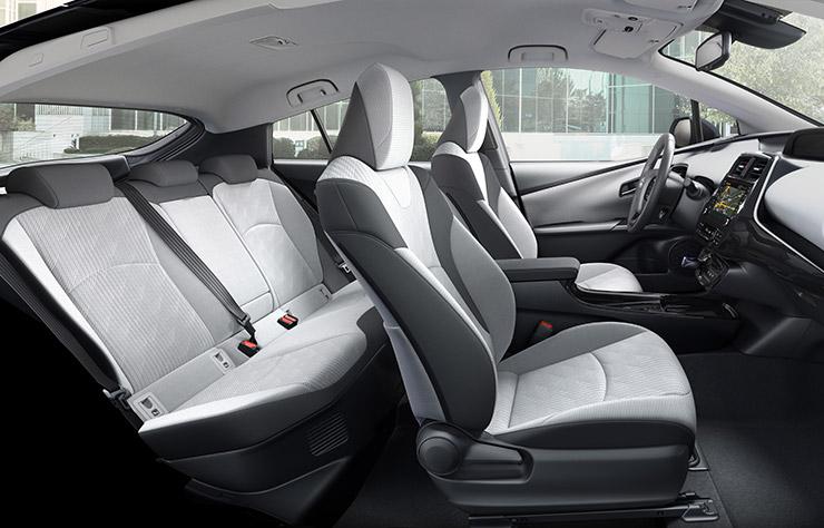 2019 Toyota Prius PHV 5-seater