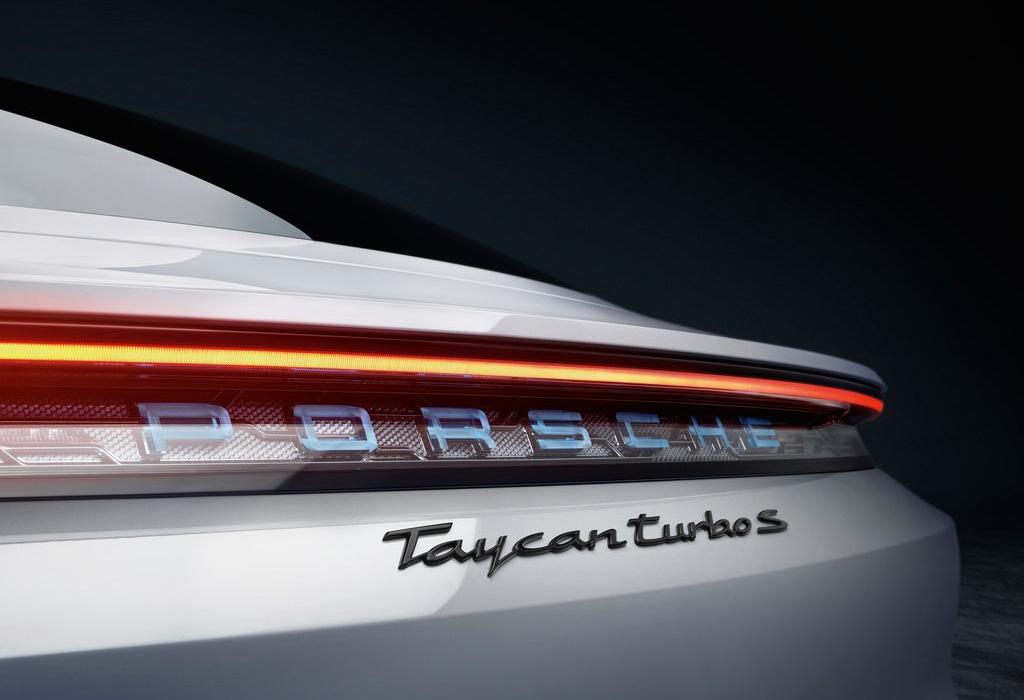 IAA 2019 - Porsche Taycan Turbo S