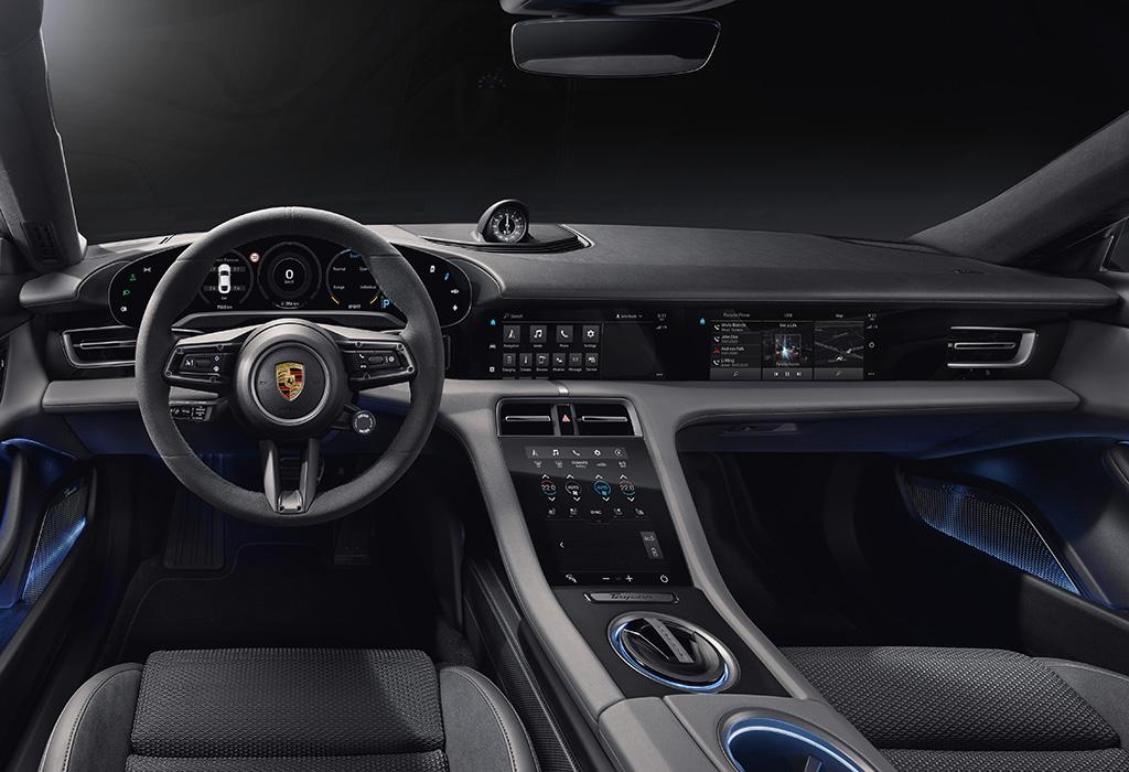 2019 Porsche Taycan Turbo: interior