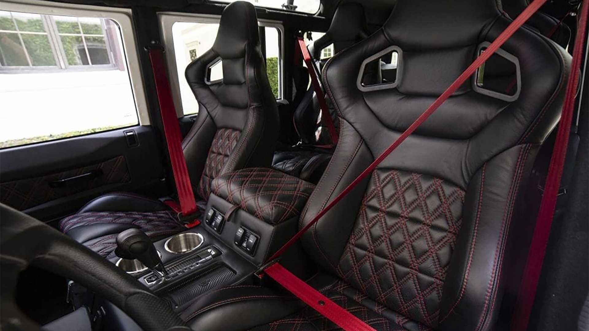 EDC Land Rover Defender met Tesla-power